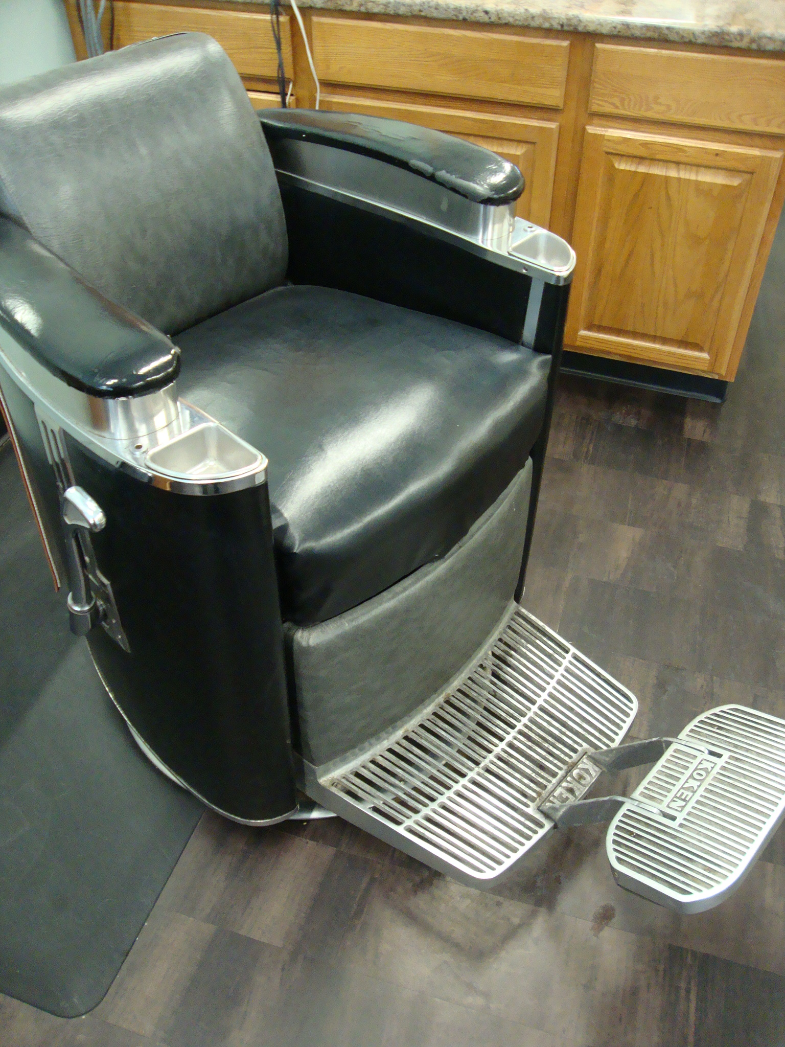 Becky's chair - Rockin' Old School barber style!